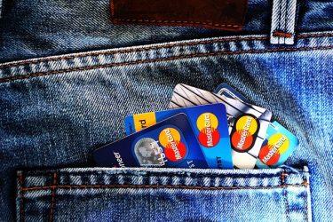 自分に合った1枚はどれ?【年収別】おすすめクレジットカード