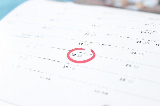 解約日をカレンダーで確認するイメージ