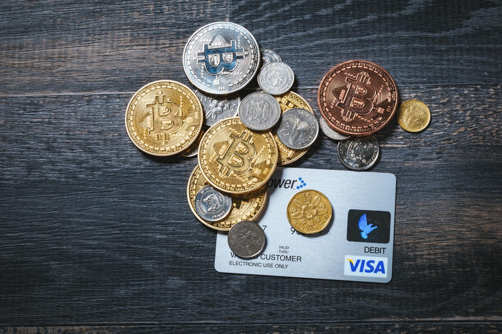 お金とカード