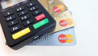 ある意味税金対策!?納税に使えるクレジットカードと気を付けること