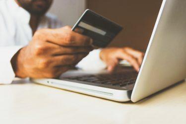 クレジットカードの住所変更手続きの流れ|申請を忘れた時のリスク