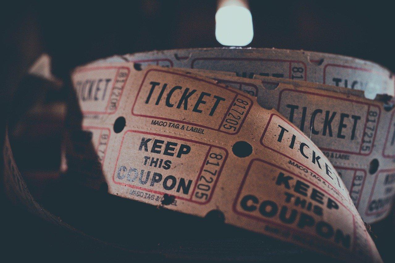 映画館のチケット